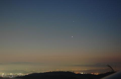 明け方の土星と金星