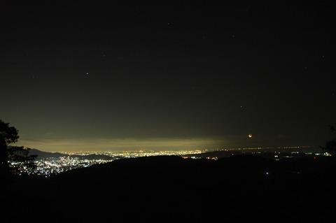 松田山からの月の出